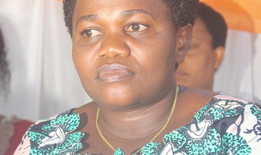 La Ministre Imelde SABUSHIMIKE étonnée par des talents des Personnes Handicapées