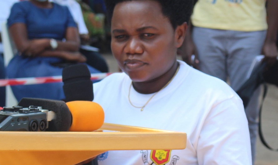 Nyakubahwa Imelde SABUSHIMIKE aratera ivyatsi abavyeyi bamwe bamwe badohotse kw'ibanga ryo kurera