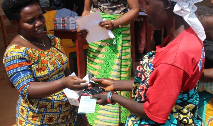 Désormais, 3300 femmes pauvres de Mwaro, avec des téléphones portables